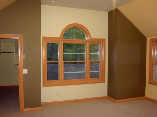 Lacqured woodwork multiple colored walls