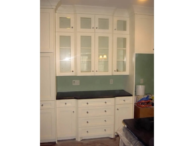Laqured kitchen cabinets